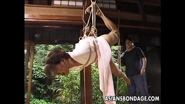 asian-girl-in-kimono-tied-up-and-bdsm-seanced