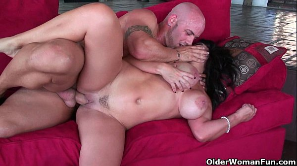 busty-milf-sienna-west-gets-facial-after-rough-fuck