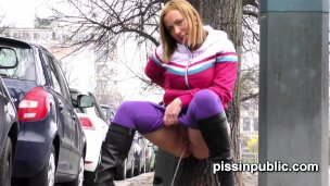 desperate-girls-find-a-hideaway-in-a-busy-city-to-squat-down-and-pee