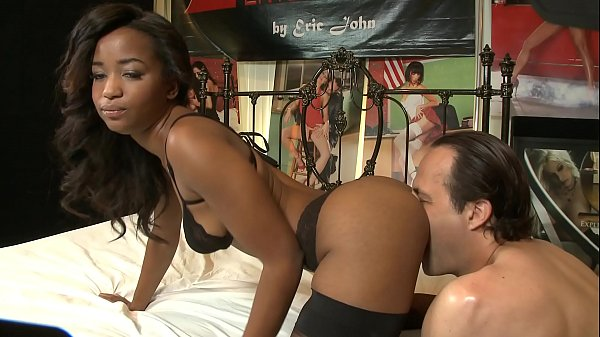 ebony-star-ivy-sherwood-in-nylon-stockings-and-high-heels-rides-white-meat