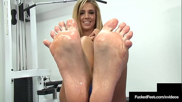 gym-girl-val-dodds-lets-a-kinky-guy-play-with-her-ticklish-size-9-feet