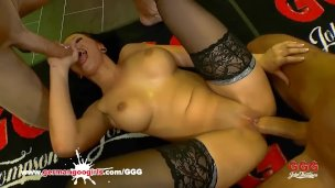 jolee-love-likes-to-get-blowjobs-and-anal-doggy-rides-german-goo-girls
