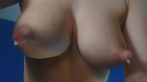 playing-with-my-nipples-and-they-autodrip-milk