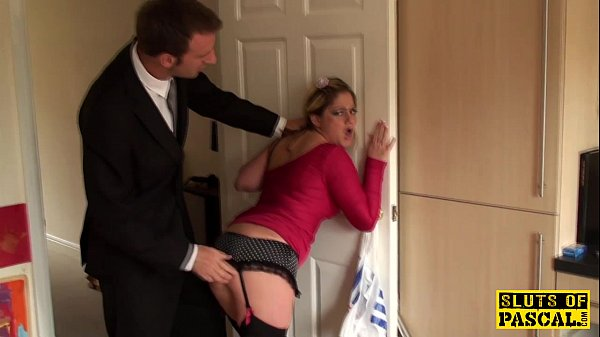 spanked-brit-submissive-in-chokeplay