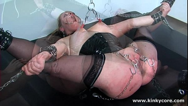 spanking-and-piercings-insertions