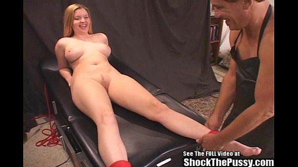 candi-apple-roped-and-shock-fucked