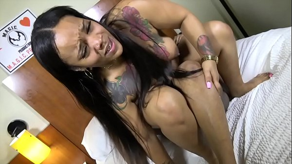 cougars-always-prey-on-young-pussy-tooo
