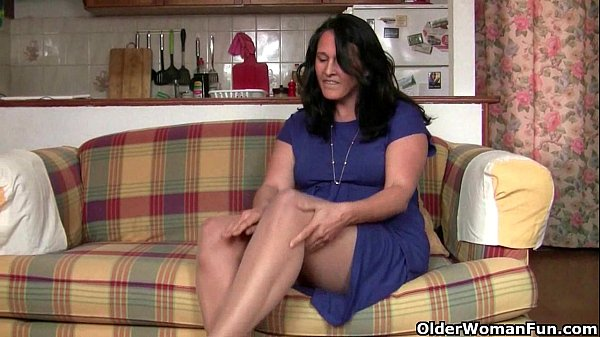 do-all-british-housewives-have-a-pantyhose-fetish