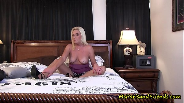 fuck-fighting-makes-my-pantyhose-wet