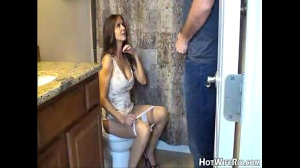 hotwiferio-mommy-pissed-after-she-jerk-his-son-handjob