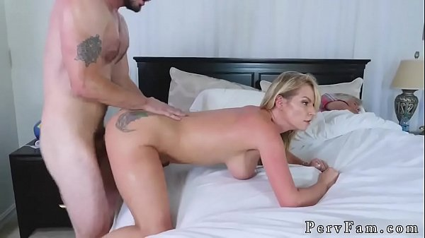 mom-and-playfellows-daughter-nylon-dont-s-on-stepmom