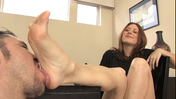 shoe-worship-and-foot-fetish-and-foot-smelling