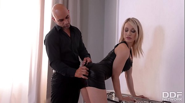 spanking-action-and-total-submission-make-chessie-kays-big-round-tits-sway