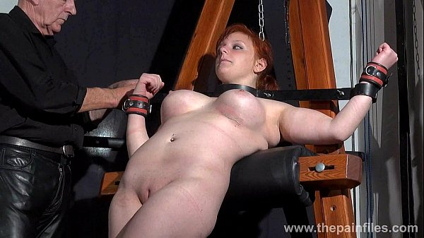 swedish-amateur-submissive-vicky-valkyrie-dungeon-bondage-whipping-post-s