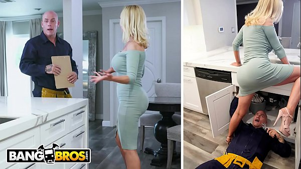 bangbros-nikki-benz-gets-her-pipes-fixed-by-plumber-derrick-pierce