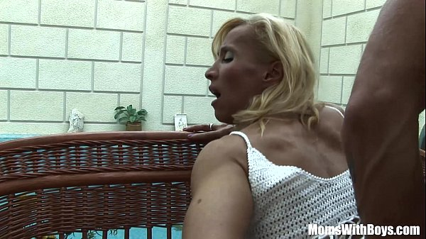 blonde-mature-melissa-q-sucking-and-fucking-young-cock
