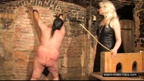 caning-a-slave-100-lashes