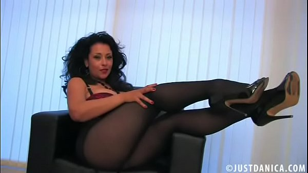danica-collins-donna-ambrose-playing-in-pantyhose