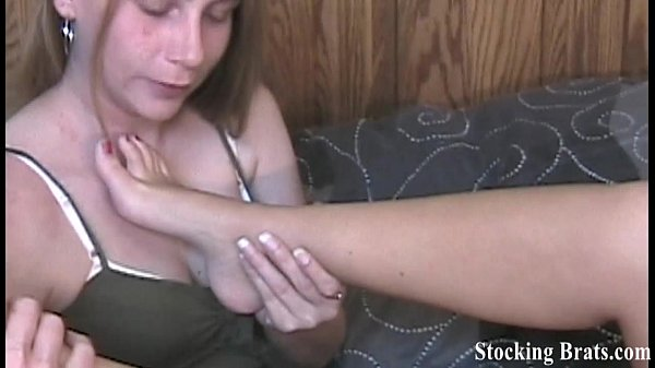 four-babes-in-pantyhose-sucking-toes