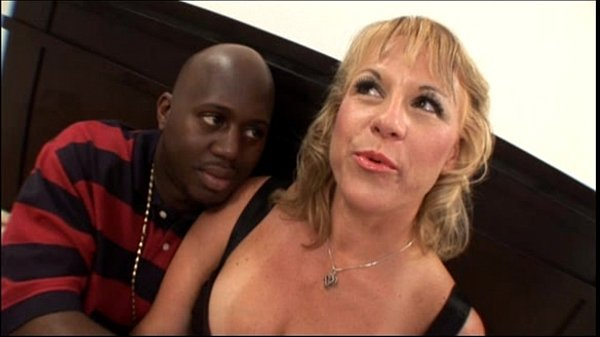 hot-blonde-amateur-milf-with-nice-tits-banging-black-cock-in-mom-sex-video