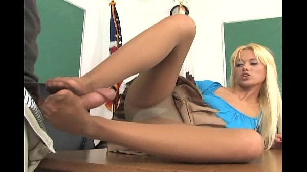 rebecca-blue-footsex-in-pantyhose