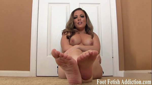 stroke-it-for-soft-feet-and-pedicured-toes