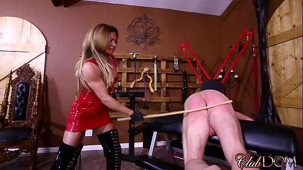 turning-her-slaves-ass-red-draining-her-slaves-filth